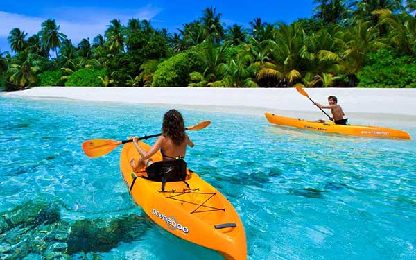 beach-fun-kayaking