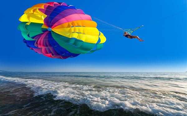 water-parasailing